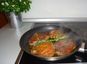 Lammfilet mit Rosmarinkartoffeln und Starkbiersoße - Schritt 2