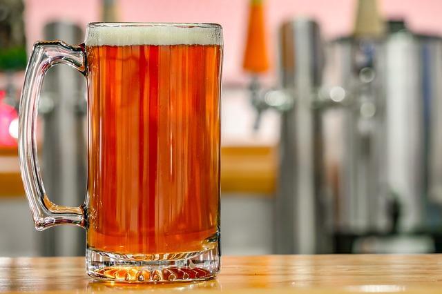 Schaue dir diesen Bier Leitfaden an, bevor du dein nächstes Bier trinkst